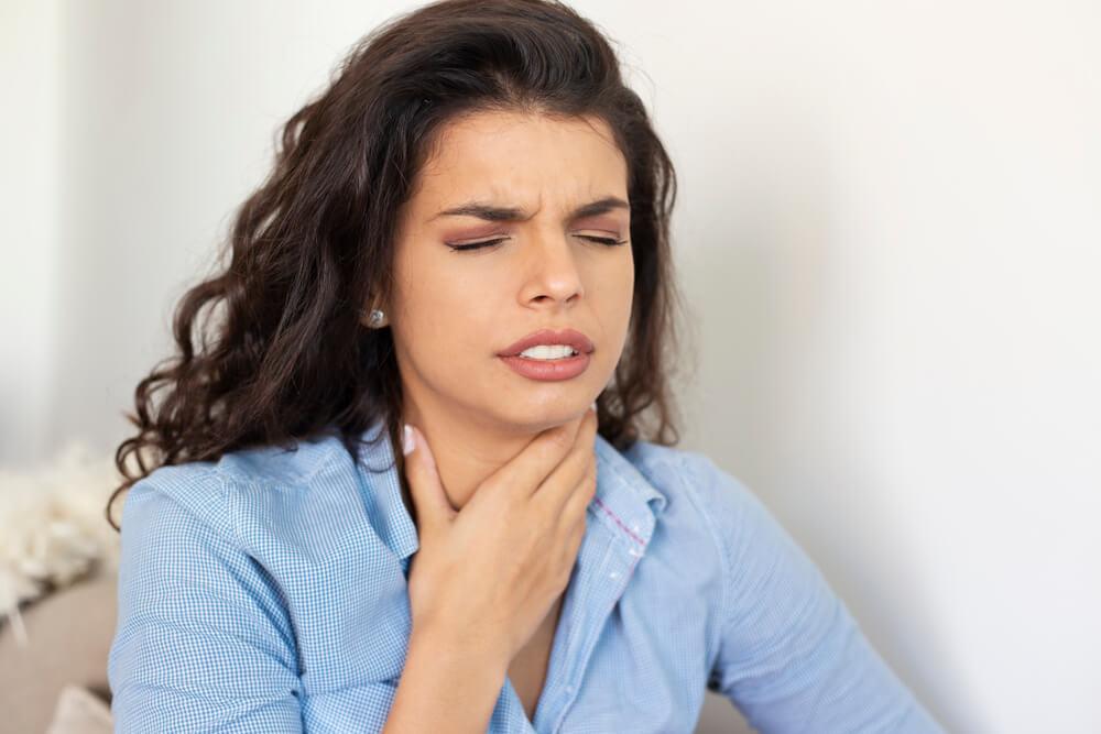 喉の痛みやつまりが表すスピリチュアルな意味とは?