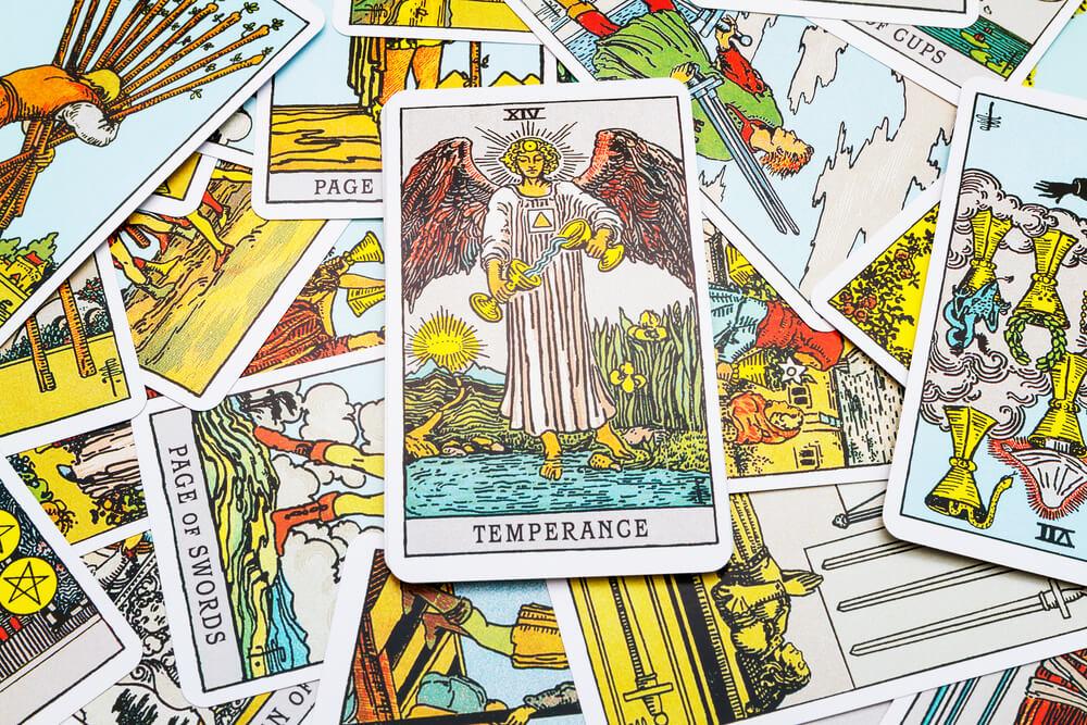 タロットカード「14:節制(テンペランス)」の意味と解釈【仕事・恋愛】