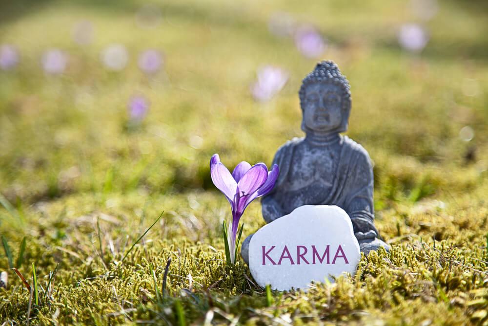 カルマの法則を分かりやすく解説!人生のカルマとは?