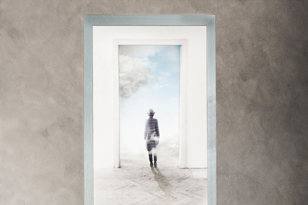 明晰夢とは?明晰夢を見る方法と危険性などを解説!