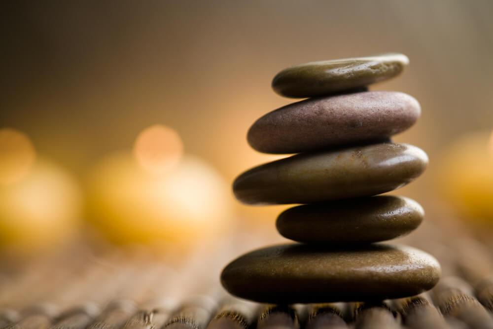 徳を積むとは?徳を積むことで人生は豊かになる?意味や方法なども解説!