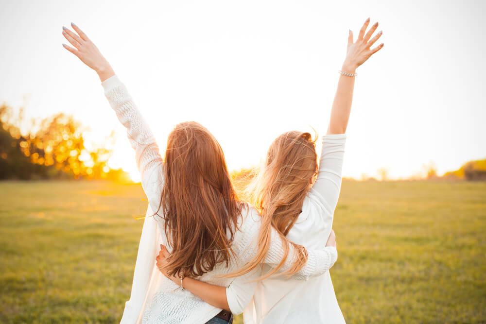 スピリチュアルから見た友達という存在は?長い友達関係に違和感?縁が切れるほうが良い理由は?